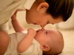 mother-baby-bonding